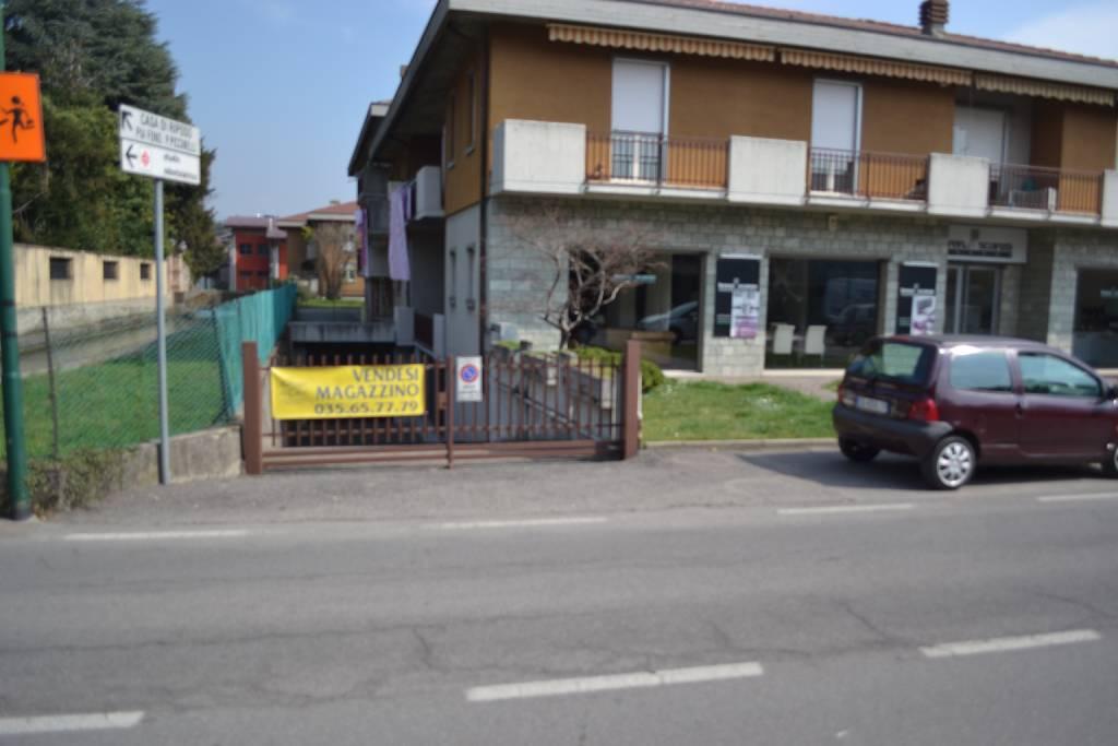 Magazzino in vendita a Scanzorosciate, 1 locali, zona Località: SCANZOROSCIATE, prezzo € 190.000 | Cambio Casa.it