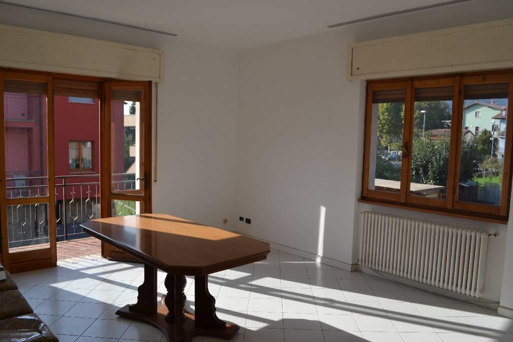 Appartamento in vendita a Torre Boldone, 3 locali, prezzo € 160.000 | Cambio Casa.it