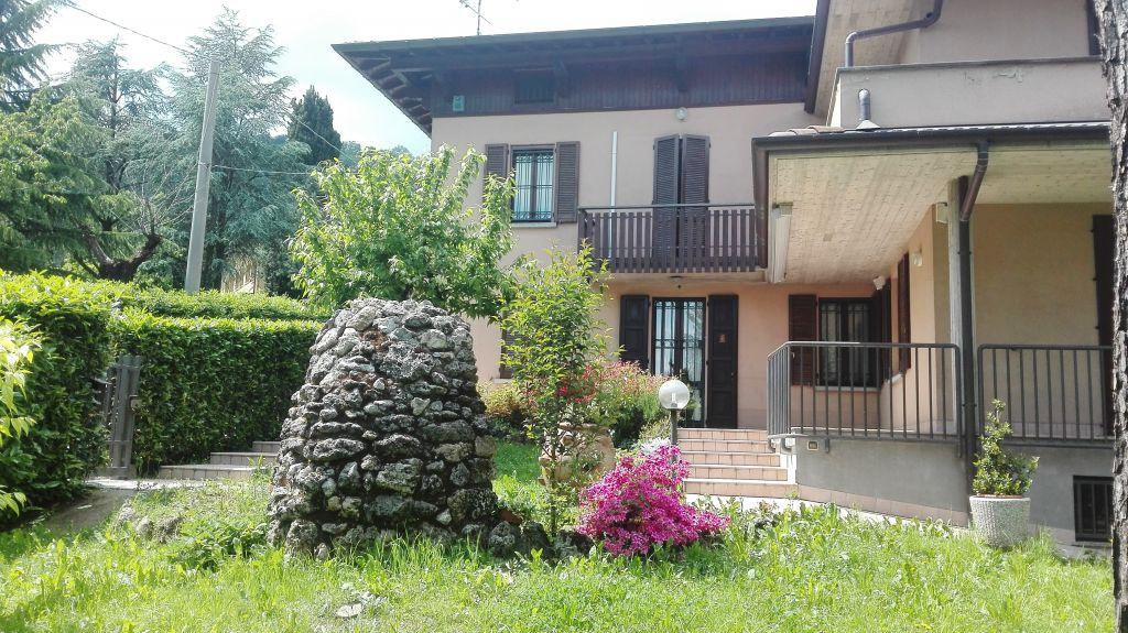 Villa in Vendita a Torre Boldone