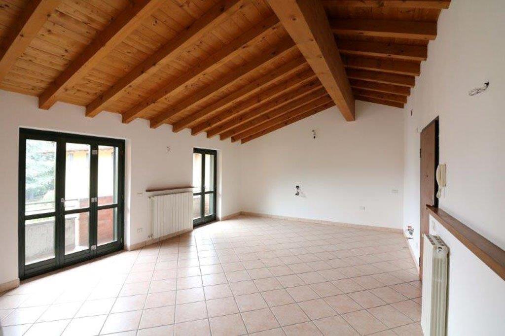Appartamento in affitto a Albino, 3 locali, prezzo € 500 | Cambio Casa.it