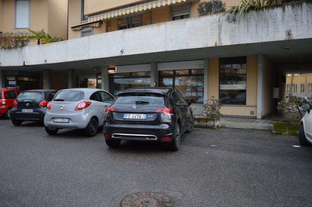 Negozio / Locale in vendita a Dalmine, 2 locali, Trattative riservate | CambioCasa.it