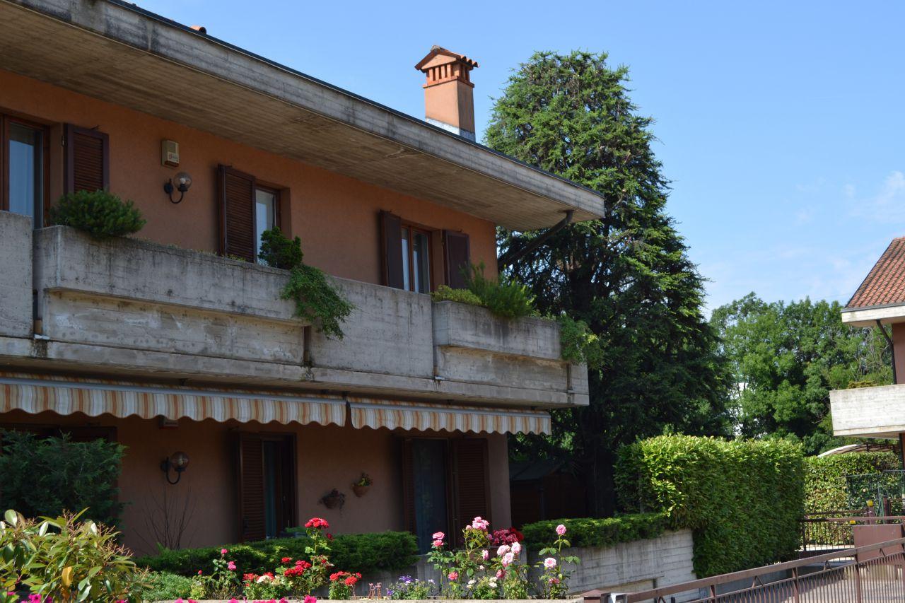 Appartamento in vendita a Scanzorosciate, 5 locali, prezzo € 260.000 | CambioCasa.it