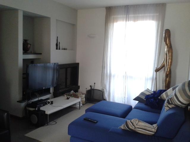 Appartamento in affitto a Scanzorosciate, 5 locali, prezzo € 650 | CambioCasa.it
