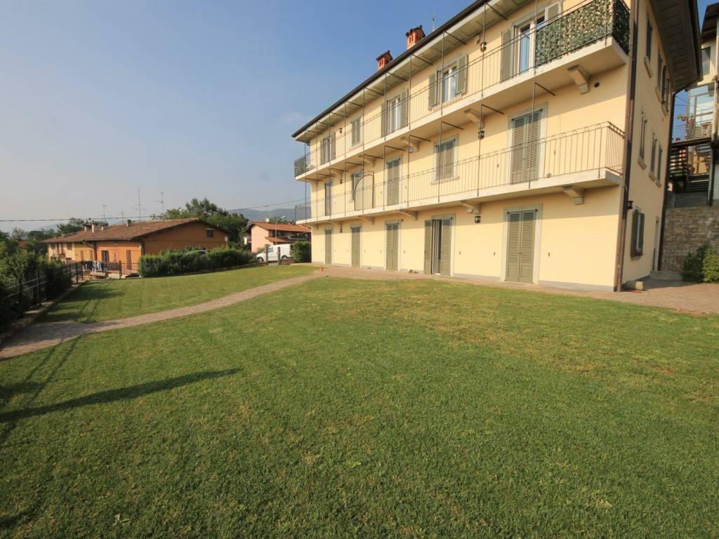Appartamento in ottime condizioni in vendita Rif. 12022028