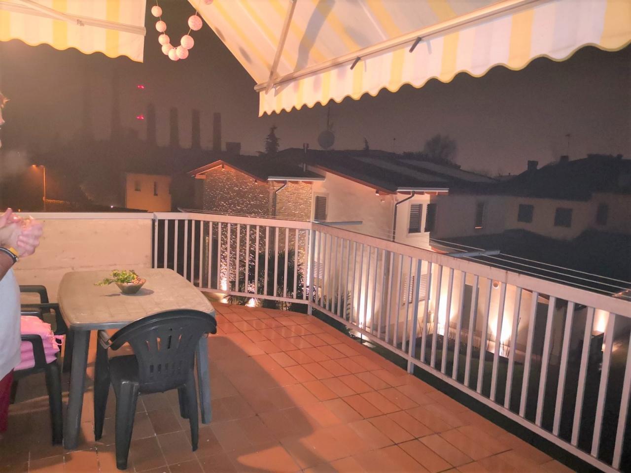 Appartamento in buone condizioni in vendita Rif. 12031481