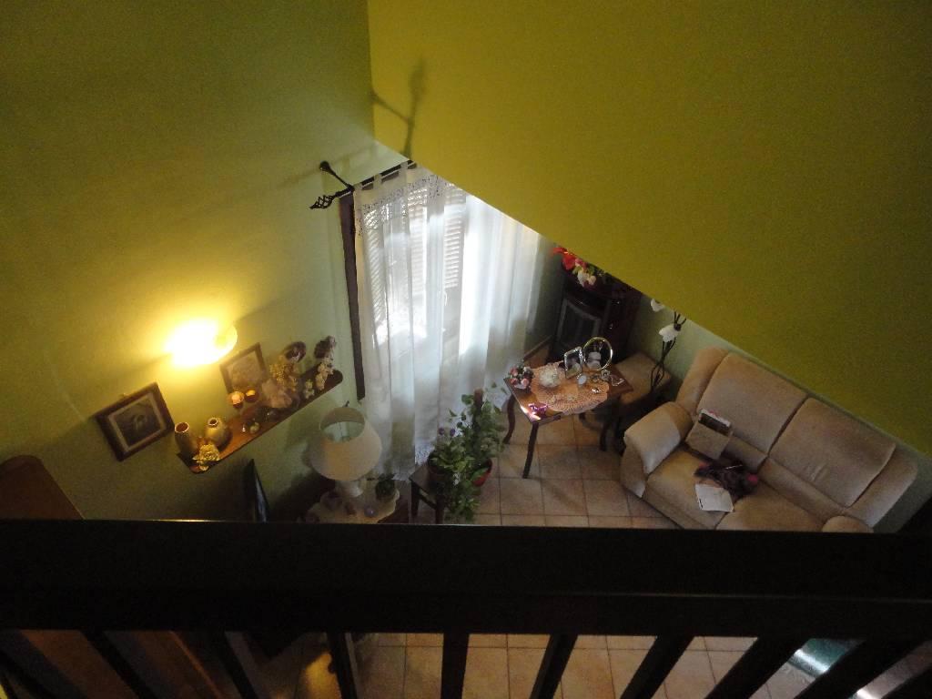 Appartamento in buone condizioni in vendita Rif. 4761858