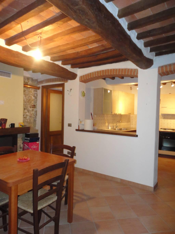 Affitto Appartamento Suvereto 4 80 M� 500 €