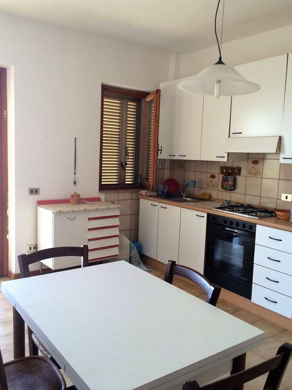 Appartamento in buone condizioni arredato in vendita Rif. 4761804
