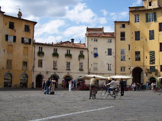 Bilocale Viareggio  13