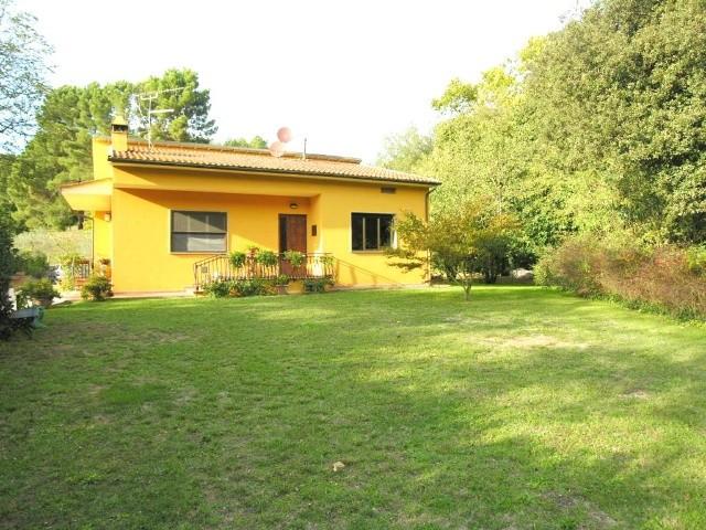 Villa in vendita a Lucca, 6 locali, zona Località: BALBANO, prezzo € 390.000 | Cambio Casa.it