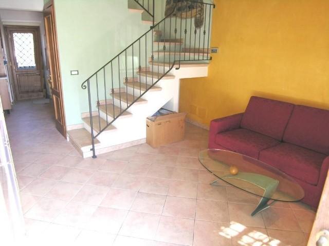 Soluzione Indipendente in vendita a Lucca, 5 locali, zona Località: PICCIORANA, prezzo € 160.000   Cambio Casa.it