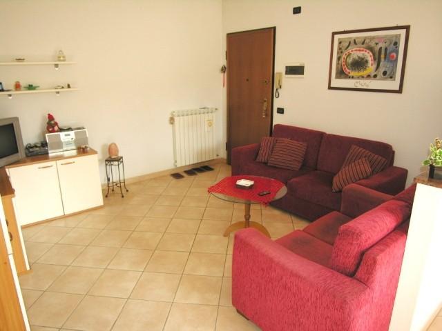 Appartamento in vendita a Altopascio, 3 locali, zona Località: CENTRO, prezzo € 115.000 | Cambio Casa.it