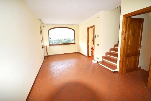 Soluzione Semindipendente in affitto a Capannori, 6 locali, Trattative riservate   CambioCasa.it