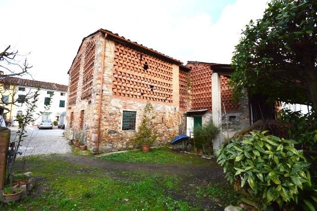 Rustico / Casale in vendita a Capannori, 9999 locali, zona Località: PIEVE SAN PAOLO , prezzo € 250.000 | Cambio Casa.it