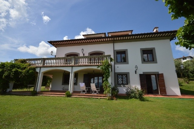 Villa in vendita a Lucca, 10 locali, prezzo € 1.250.000 | CambioCasa.it