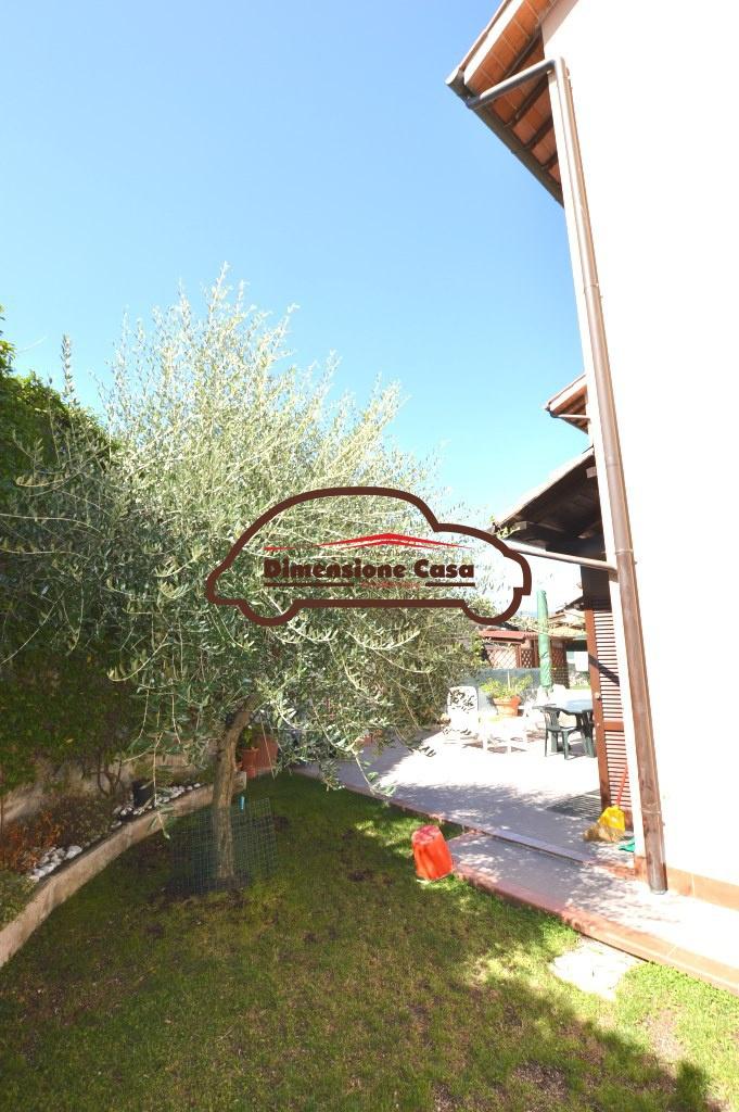 Villa a schiera LUCCA 3893-VH