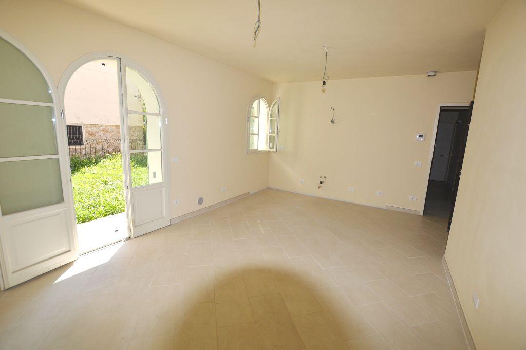 Appartamento in vendita a Lucca, 2 locali, zona Località: S. CONCORDIO CONTRADA, prezzo € 200.000 | Cambio Casa.it