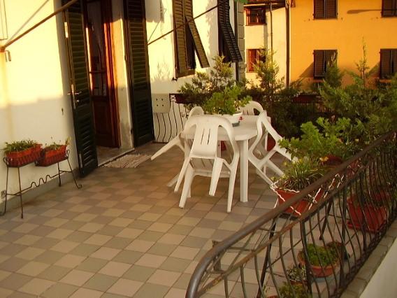 Soluzione Indipendente in vendita a Lucca, 5 locali, prezzo € 189.000 | CambioCasa.it