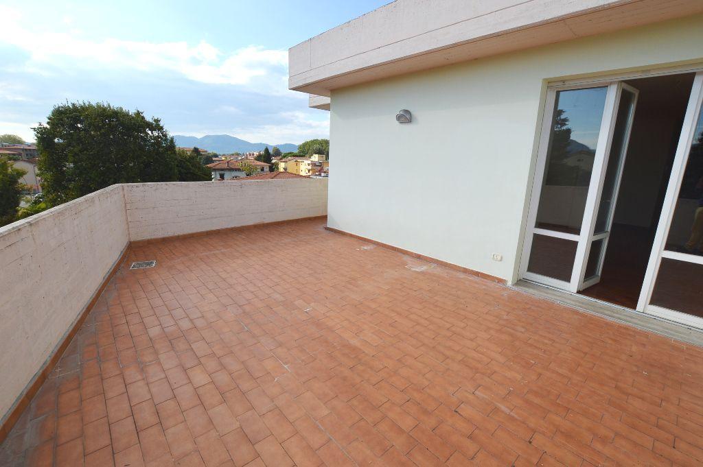 Attico / Mansarda in vendita a Lucca, 5 locali, prezzo € 350.000 | PortaleAgenzieImmobiliari.it