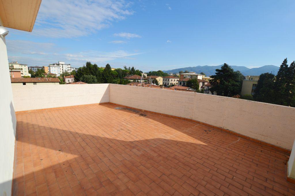 Attico / Mansarda in vendita a Lucca, 4 locali, prezzo € 310.000 | PortaleAgenzieImmobiliari.it