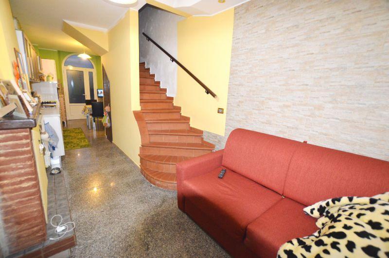 Soluzione Indipendente in vendita a Capannori, 3 locali, Trattative riservate | Cambio Casa.it