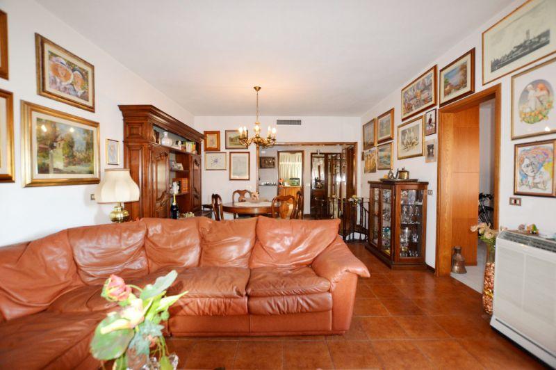 Appartamento in vendita a Lucca, 5 locali, zona Località: SAN FILIPPO, prezzo € 210.000 | Cambio Casa.it