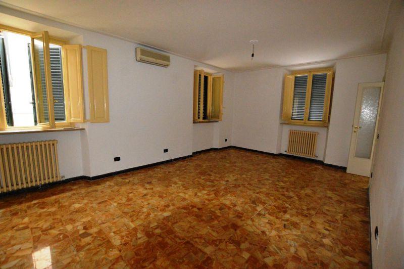 Soluzione Indipendente in Affitto a Lucca