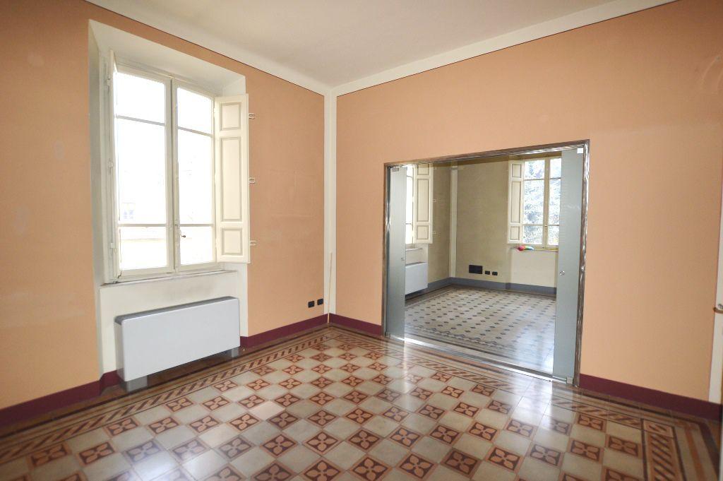 Villa in vendita a Lucca, 7 locali, prezzo € 580.000 | CambioCasa.it