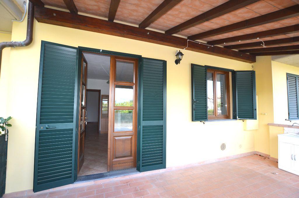 Soluzione Indipendente in vendita a Lucca, 3 locali, zona Località: S. CASSIANO A VICO, prezzo € 130.000 | Cambio Casa.it