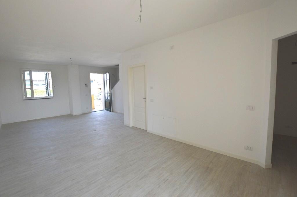 Villa a schiera LUCCA 4221-VH