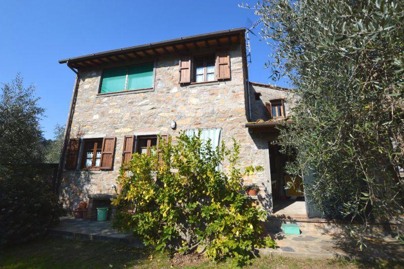 Terratetto 6 locali in vendita a Capannori (LU)