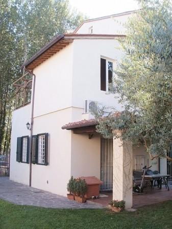 Soluzione Indipendente in vendita a Lucca, 8 locali, zona Località: SAN FILIPPO, prezzo € 320.000 | Cambio Casa.it