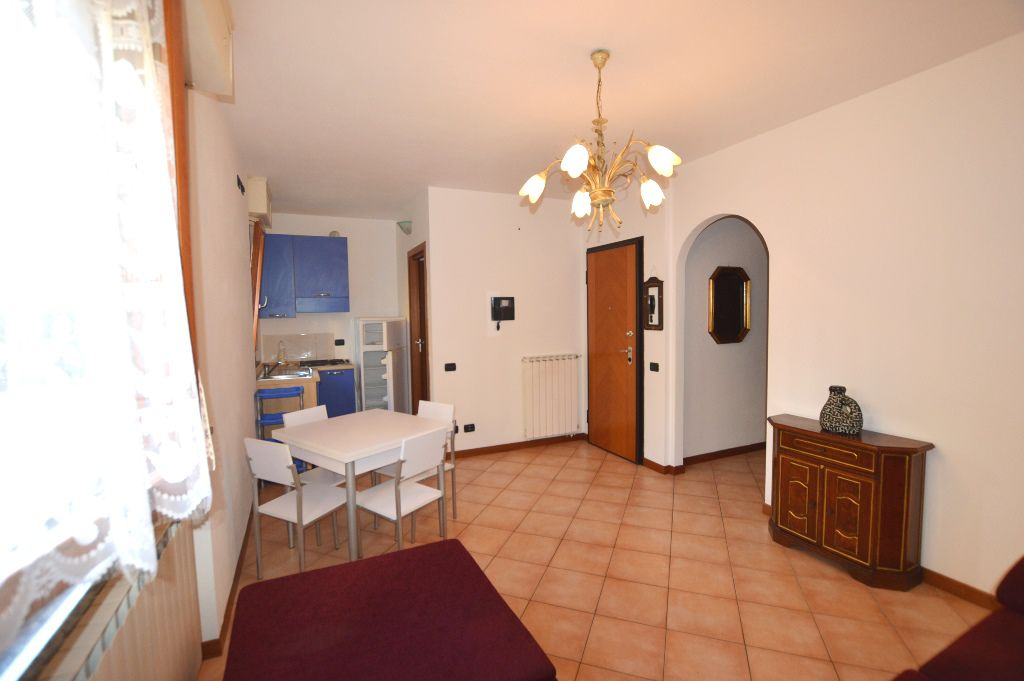 Appartamento in affitto a Lucca, 2 locali, zona Località: SANT ANNA, prezzo € 500 | Cambio Casa.it
