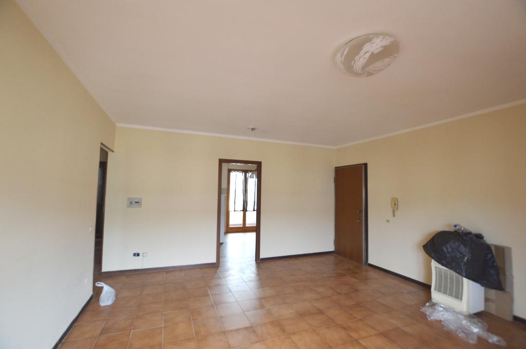 Appartamento in affitto a Porcari, 5 locali, zona Località: CENTRO , prezzo € 520 | Cambio Casa.it