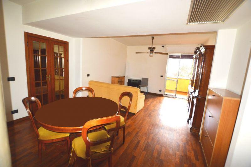 Appartamento in vendita a Lucca, 3 locali, prezzo € 125.000 | CambioCasa.it