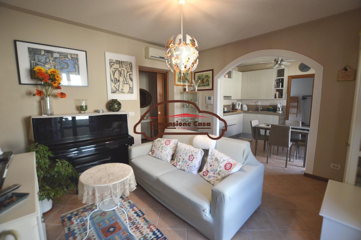 Appartamento in vendita a Capannori, 4 locali, prezzo € 155.000 | PortaleAgenzieImmobiliari.it