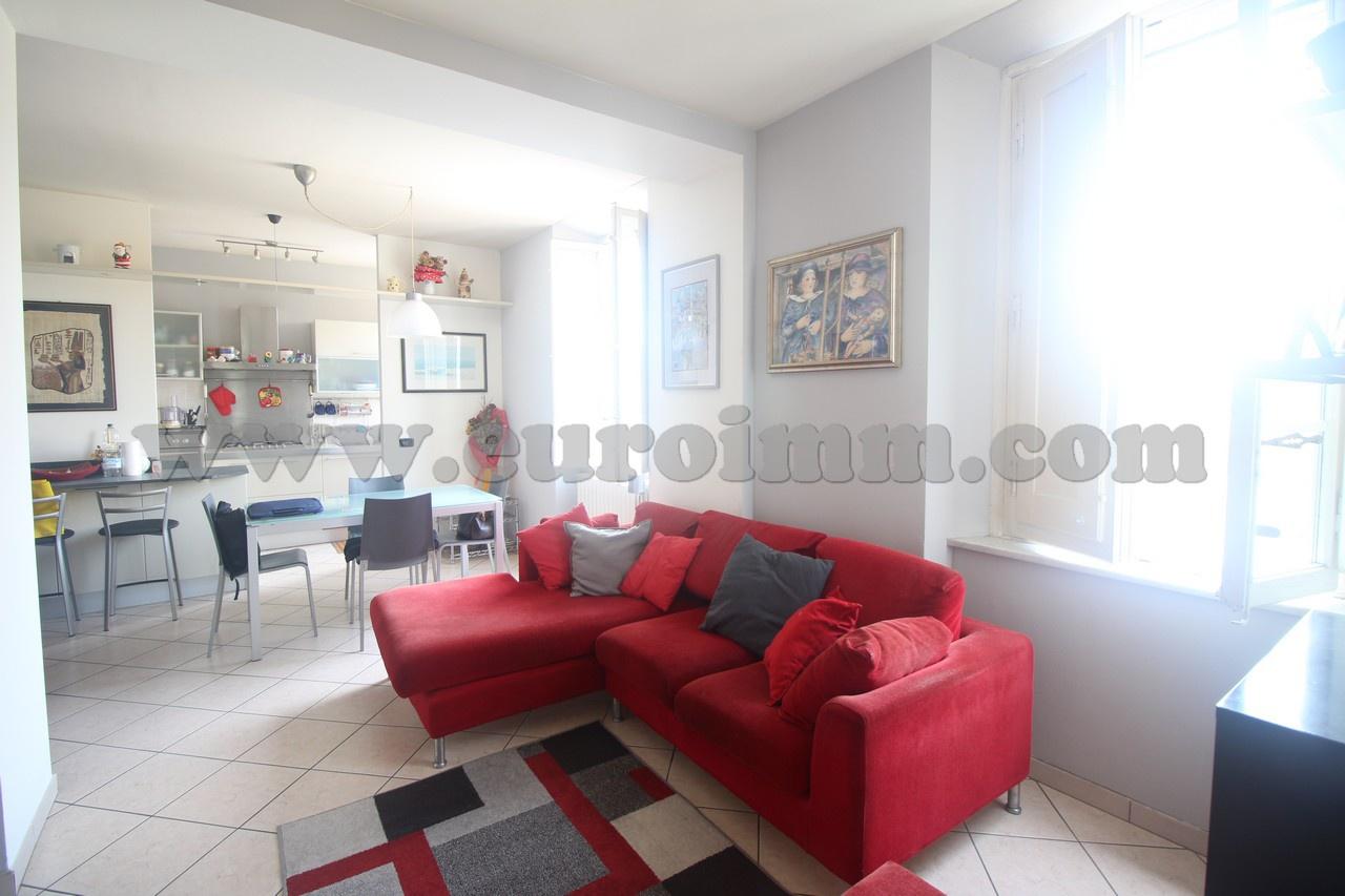 Appartamento ristrutturato in vendita Rif. 10957073