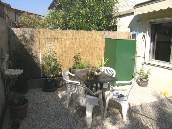 Bilocale vendita ameglia for Planimetrie del cottage del cortile