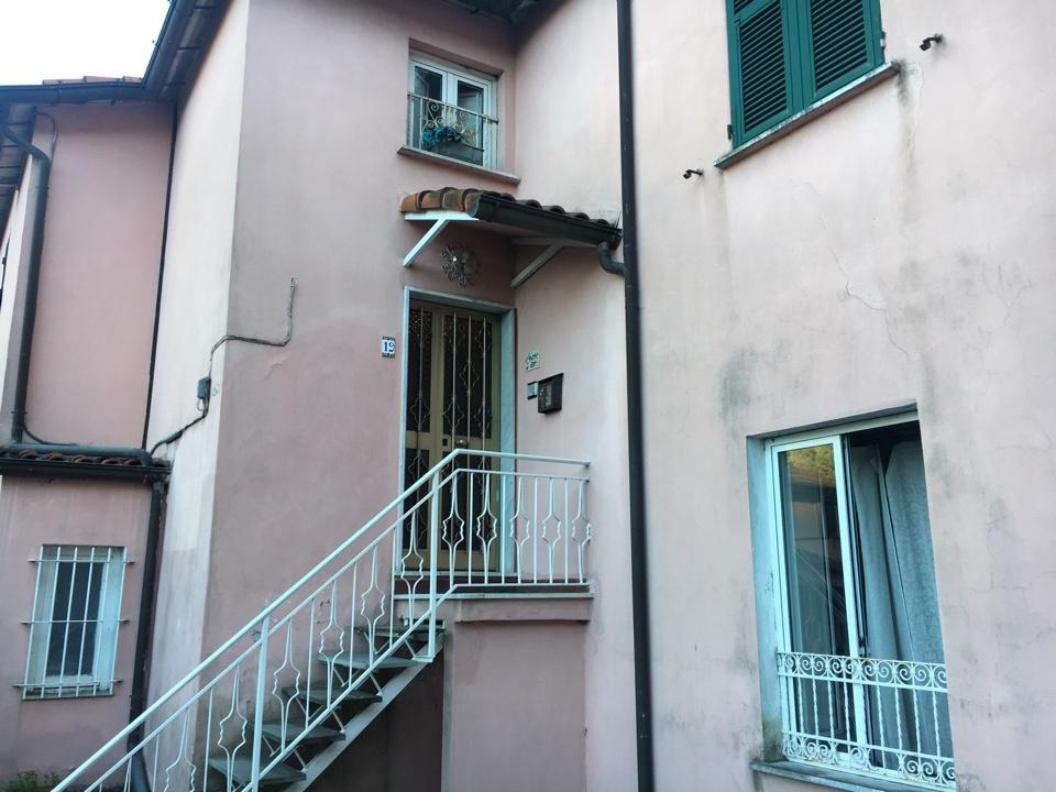 Appartamento da ristrutturare in vendita Rif. 9006959
