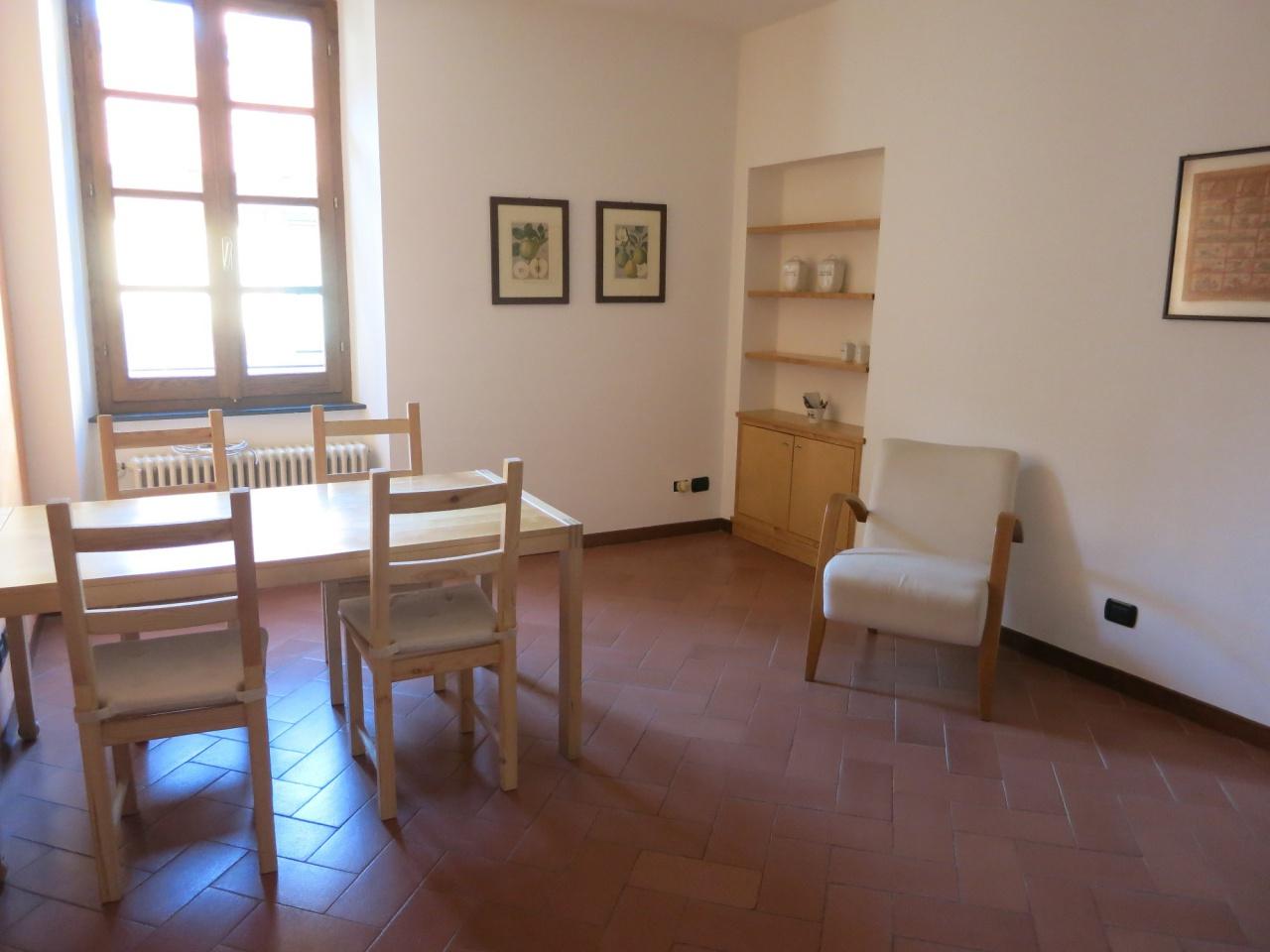 Appartamento in buone condizioni arredato in affitto Rif. 9766317