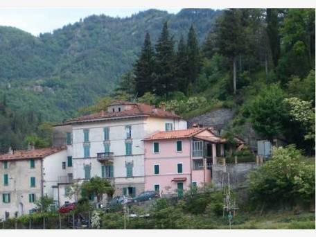 Palazzo / Stabile in vendita a Marradi, 16 locali, prezzo € 340.000   CambioCasa.it