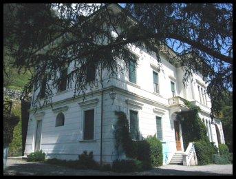 Palazzo / Stabile in vendita a Bagni di Lucca, 20 locali, zona Località: BAGNI DI LUCCA -, prezzo € 2.600.000 | Cambio Casa.it