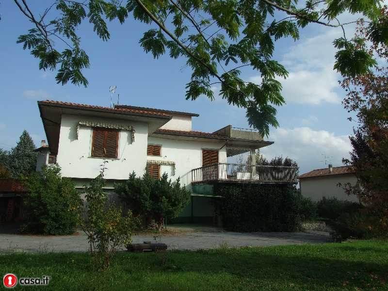 Villa in vendita a Laterina, 9 locali, zona Località: LATERINA, prezzo € 300.000 | Cambio Casa.it