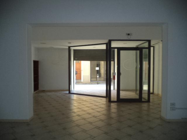 Negozio / Locale in affitto a Borgo San Lorenzo, 3 locali, zona Località: BORGO SAN LORENZO, prezzo € 800 | Cambio Casa.it