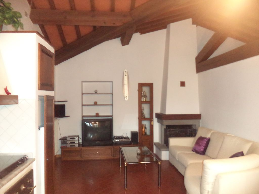 Appartamento in affitto a Borgo San Lorenzo, 2 locali, zona Località: Borgo San Lorenzo, prezzo € 400 | Cambio Casa.it