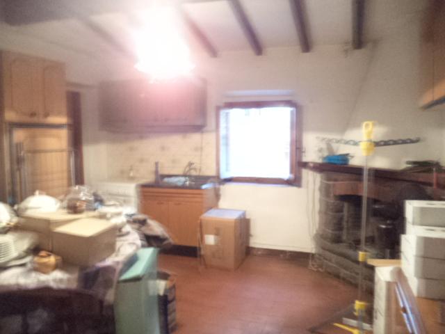 Appartamento in discrete condizioni in vendita Rif. 5893870