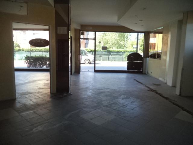 Negozio / Locale in affitto a Vicchio, 2 locali, zona Località: Vicchio, prezzo € 700 | Cambio Casa.it