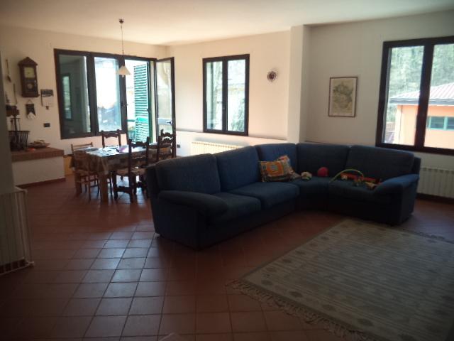 Appartamento in buone condizioni in vendita Rif. 4763602