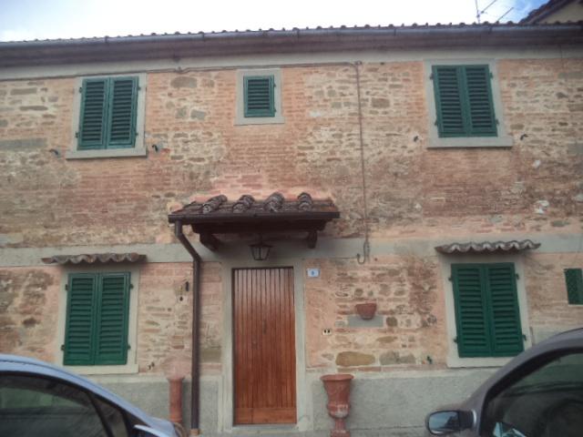 Soluzione Indipendente in affitto a Vicchio, 5 locali, prezzo € 500 | CambioCasa.it