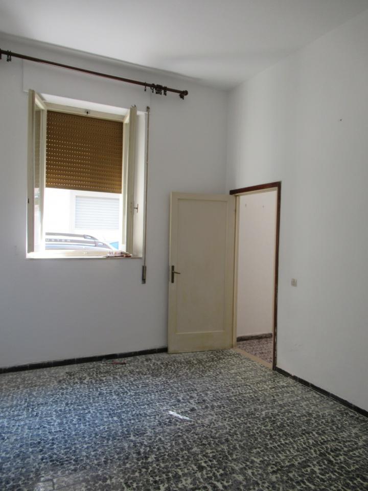 Appartamento da ristrutturare in affitto Rif. 4763618